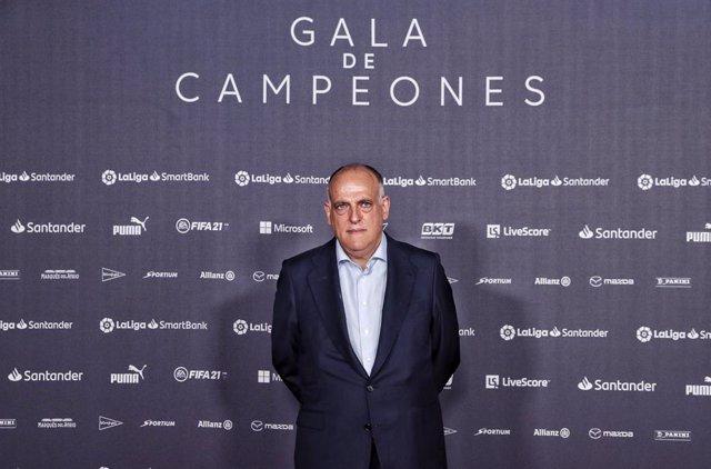 Archivo - Javier Tebas, presidente de LaLiga, en la Gala de Campeones celebrada este viernes 30 de julio de 2021, en Madrid
