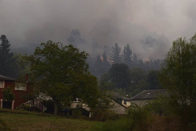 Incendios de un fuego en el municipio de Quiroga (Margaride), en la provincia de Lugo a 6 de septiembre de 2021, en Galicia (España). Este nuevo incendio, el segundo en un día, avanza sin control y ya calcina unas 80 hectáreas. Para él se ha solicitado el