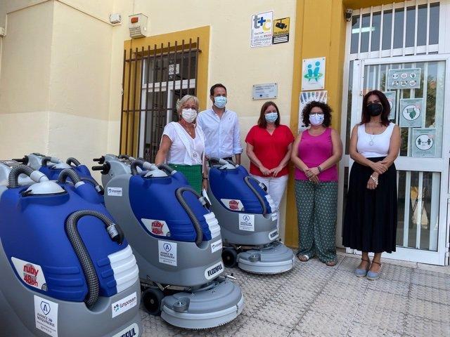 Presentación del dispositivo limpieza en los colegios ante el inicio curso escolar en Málaga