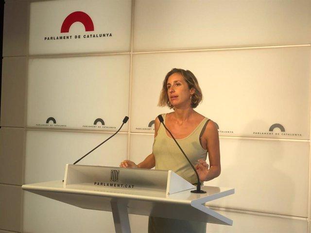 La diputada de la CUP al Parlament Laia Estrada en la roda de premsa