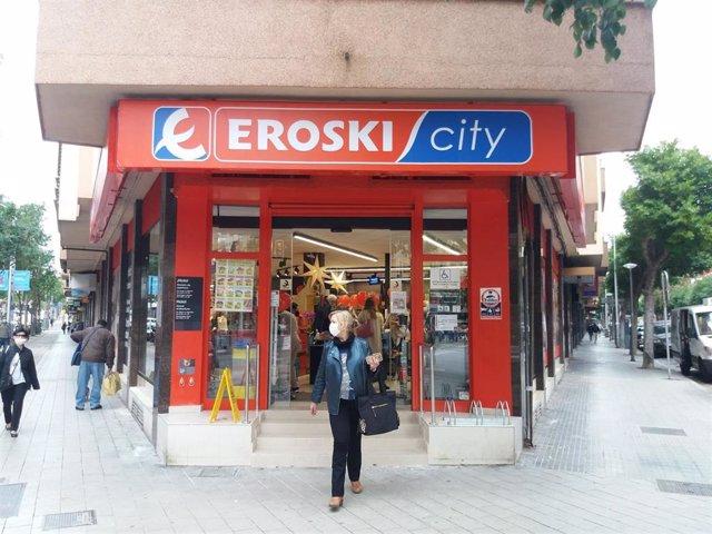 Archivo - Franquicia de Eroski.