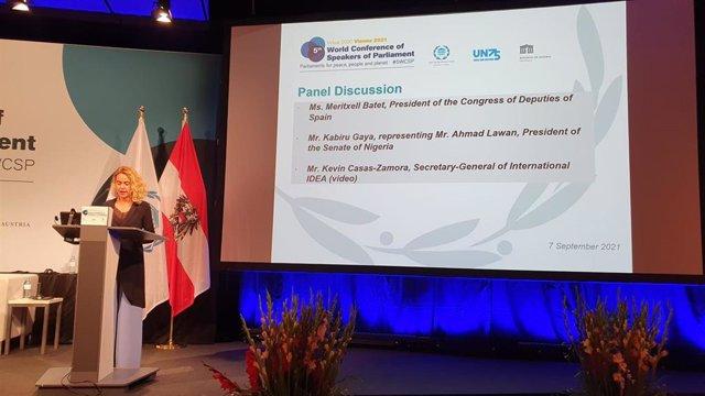 La presidenta del Congreso, Meritxell Batet, durante su discurso en la 5ª ª Conferencia Mundial de Presidentes/as de Parlamento, en Viena