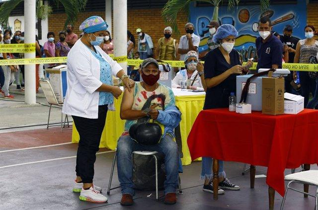 Archivo - Campaña de vacunacion contra el coronavirus en Venezuela