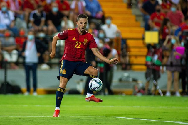 Pablo Sarabia of Spain shoots for goal during the 2022 FIFA World Cup Qualifier match between Spain and Georgia at Nuevo Viveros Stadium on September 5, 2021 in Badajoz, Spain.