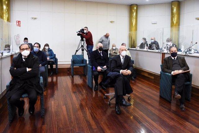 Archivo - Consejo de Administración de Sniace en el juicio por los vertidos contaminantes al río