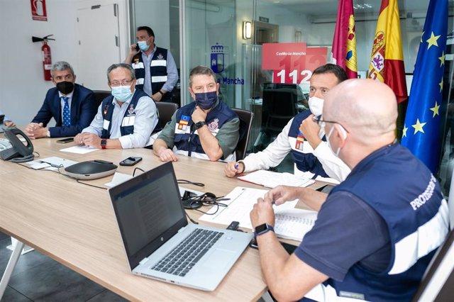 El presidente regional, Emiliano García-Page, preside la reunión del Meteocam ante las incidencias por la tormenta