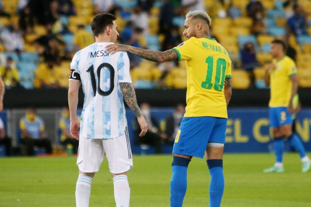 Archivo - Lionel Messi of Argentina and Neymar jr of brazil during the Copa America 2021, Final football match between Argentina and Brazil on July 11, 2021 at Maracana stadium in Rio de Janeiro, Brazil - Photo Laurent Lairys / DPPI