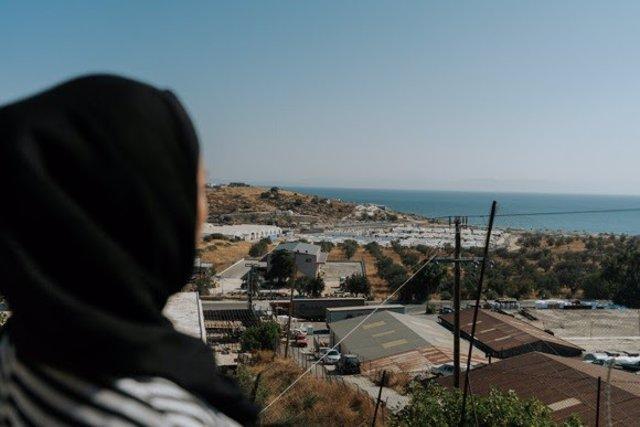 Mariam, una mujer afgana, madre de una niña de dos años, que vive en Lesbos desde hace dos años