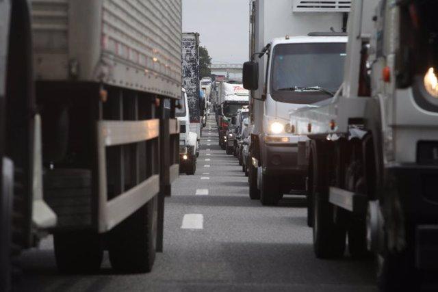Casi un tercio de los camiones en España emiten niveles peligrosos de contaminación, según T&E