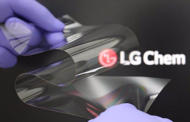 Protector para pantallas flexibles 'Real Folding Window' de LG.