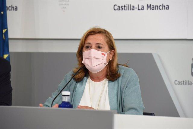 La consejera de Educación, Cultura y Deportes del Gobierno autonómico, Rosa Ana Rodríguez, en rueda de prensa