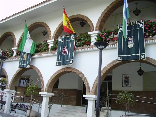 Archivo - Fachada del Ayuntamiento de Lepe en una imagen de archivo.