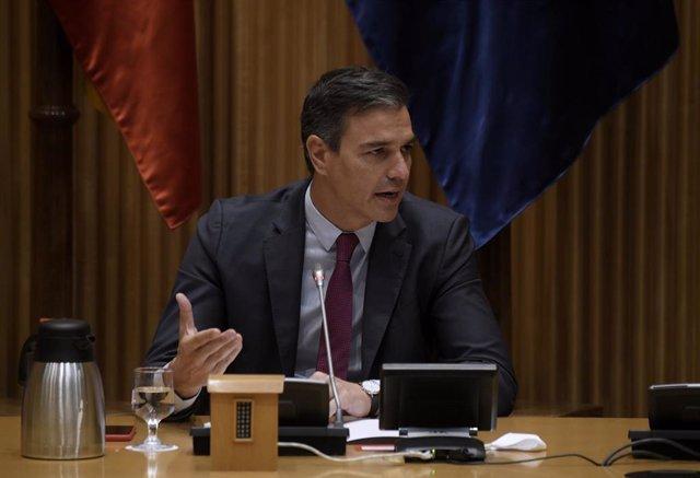 El secretario general del PSOE y presidente del Gobierno, Pedro Sánchez, interviene en la reunión interparlamentaria del Grupo Parlamentario Socialista en el Congreso de los Diputados, a 8 de septiembre de 2021, en Madrid (España). Sánchez encabeza este m