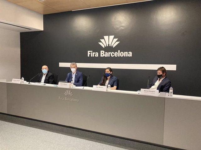La directora d'Expoquimia, Equiplast i Eurosurfas, Pilar Navarro, juntament amb el president d'Expoquimia, Carles Navarro; el president d'Eurosurfas, Giampiero Cortinovis, i el president d'Equiplast, Bernd Roegele