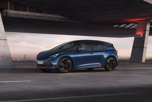 Archivo - AMP.- Motor.- Cupra desvela el nuevo Born, el primer vehículo 100% eléctrico de la marca