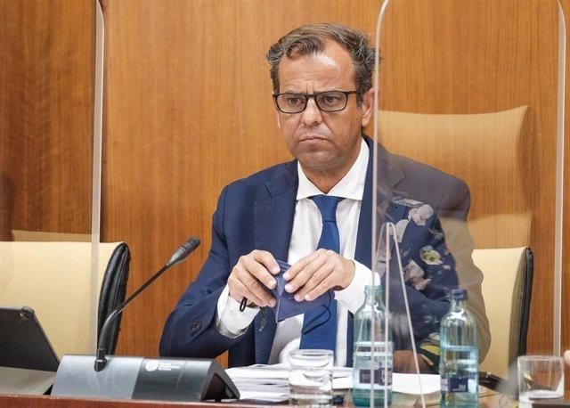 Archivo - El director general de la RTVA, Juande Mellado