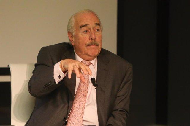 Archivo - El expresidente de Colombia, Andrés Pastrana, presenta la actualización del informe de FAES América Latina.