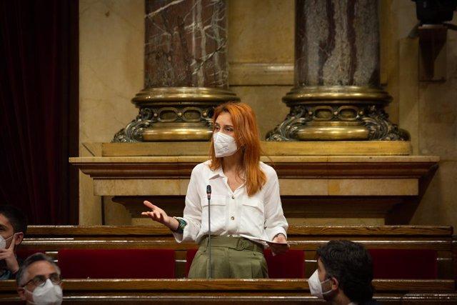 Archivo - Arxivo - La líder dels comuns en el Parlament, Jéssica Albiach, durant una sessió de control al Govern, a 13 de maig de 2021, en el Parlament de Catalunya, Barcelona, Catalunya, (Espanya). Durant el ple, el Govern ha d'enfrontar-se a les pregunt