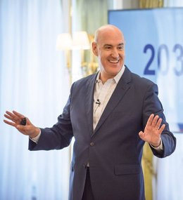 El español Mauro Guillén, decano de la escuela de negocios de Cambridge
