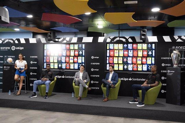 Acto de presentación del acuerdo entre LaLiga y Sorare con Samuel Etoo, Nicolas Julia, Óscar Mayo y Patrick Kluivert