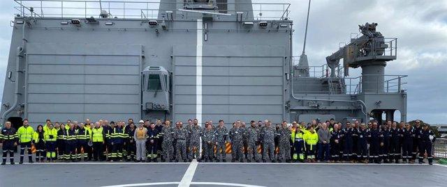 Participantes en las pruebas del segundo buque AOR en Australia