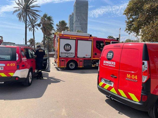 Bombers de Barcelona es retira de la zona on buscaven la dona desapareguda des de dimecres