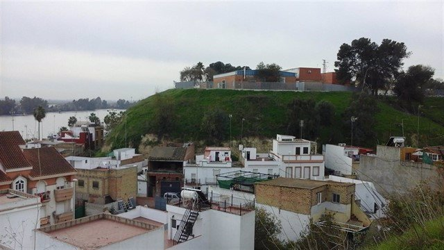 Archivo - Panorámica de Coria del Río con el Guadalquivir al fondo