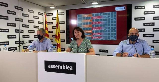 El president de l'AMI, Jordi Gaseni, la de l'ANC, Elisenda Paluzie, i el vicepresident d'Òmnium, Marcel Mauri