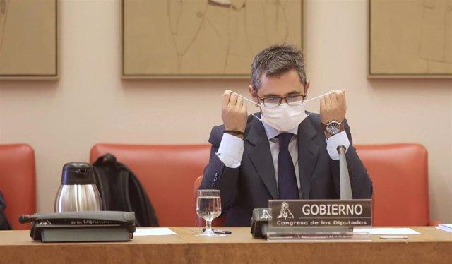 El ministro de la Presidencia, Relaciones con las Cortes y Memoria Democrática, Félix Bolaños, a su llegada para comparecer en la Comisión Constitucional en el Congreso de los Diputados, a 9 de septiembre de 2021, en Madrid (España).  Bolaños comparece a
