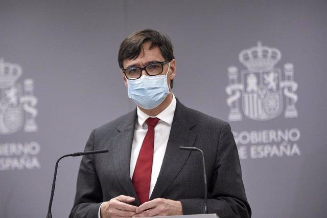 Archivo - El exministro de Sanidad y actual candidato del PSC a las elecciones catalanas, Salvador Illa, interviene en el acto de traspaso de la cartera del Ministerio de Sanidad, en Madrid (España), a 27 de enero de 2021. Carolina Darias ha recibido este