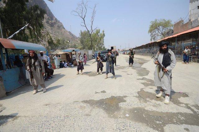 Un grupo de milicianos talibán en Pakistán.