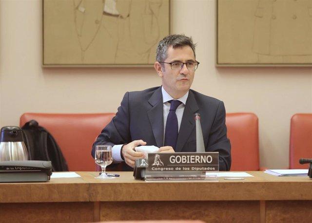 El ministro de la Presidencia, Relaciones con las Cortes y Memoria Democrática, Félix Bolaños, comparece en la Comisión Constitucional en el Congreso de los Diputados.