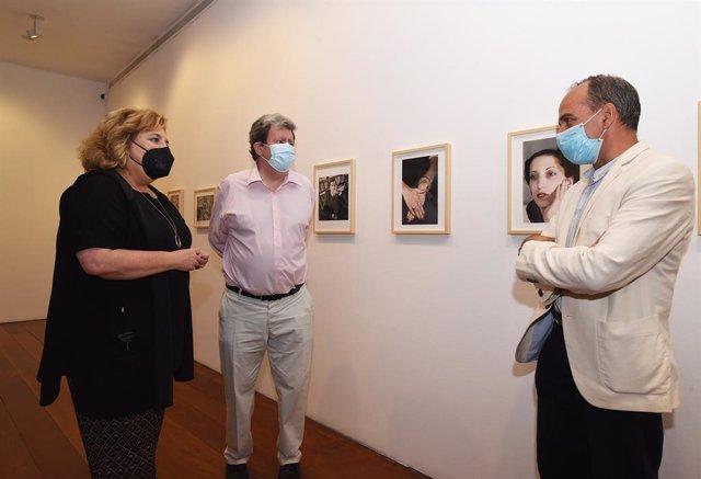 Presentación de la exposición 'En el sur tan distante', en el Centro José Guerrero