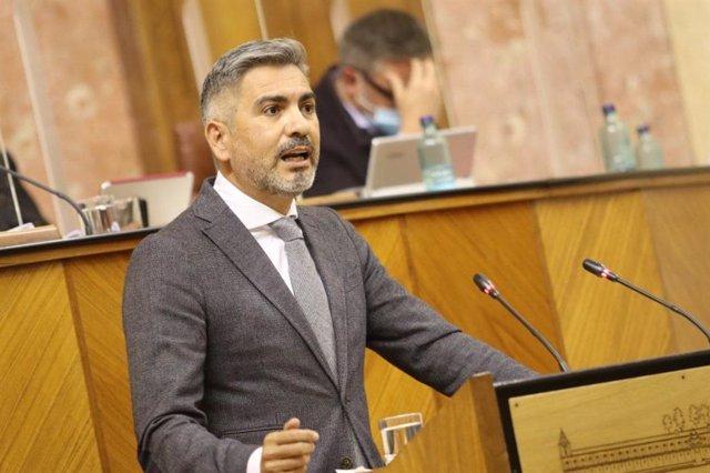 El parlamentario de Ciudadanos (Cs) y portavoz de la comisión, Emiliano Pozuelo.