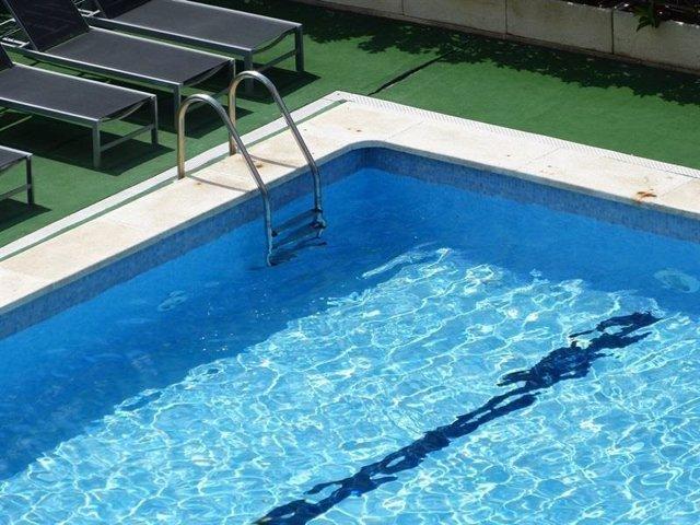 Archivo - Imagen de archivo de una piscina