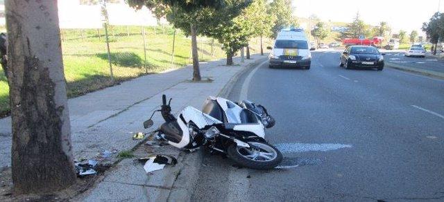 Archivo - Imagen de archivo de un accidente de moto