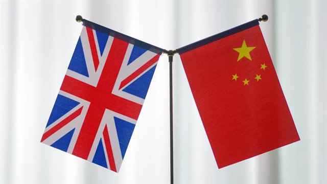 China and the UK have maintained a good cooperative relationship in coping with climate change./CFP