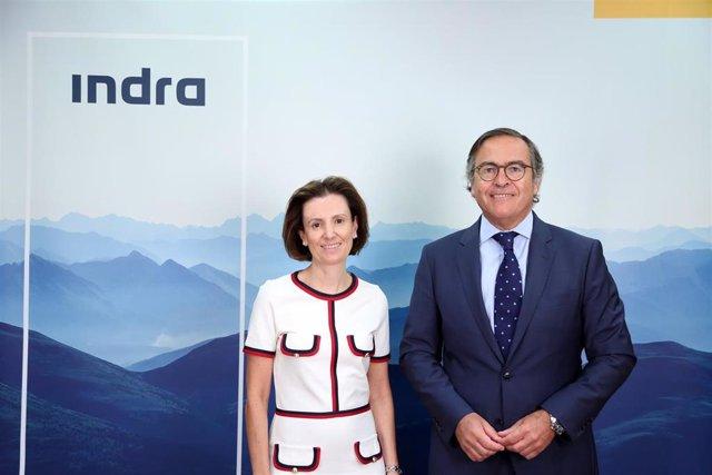 Archivo - Cristina Ruiz e Ignacio Mataix, consejeros delegados de Indra.