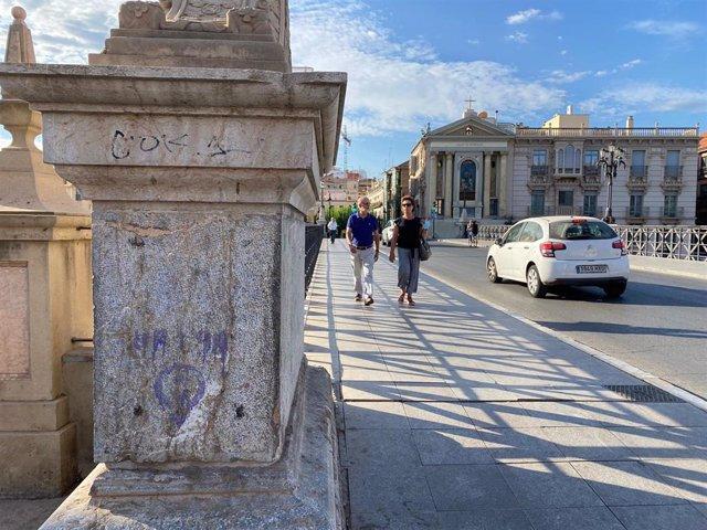 Pintadas en el Puente de los Peligros de MUrcia