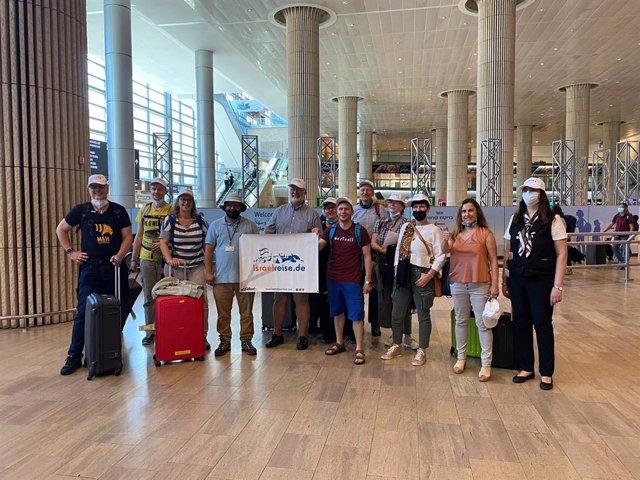 Un grupo de turistas alemanes en el aeropuerto de Ben Gurión (Tel Aviv), en junio de 2020