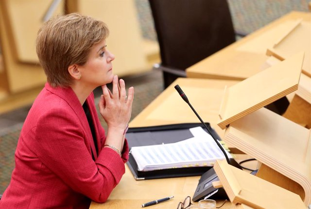 09 September 2021, United Kingdom, Edinburgh: Scotland's First Minister Nicola Sturgeon attends First Minister's Questions at the Scottish Parliament. Photo: Russell Cheyne/PA Wire/dpa