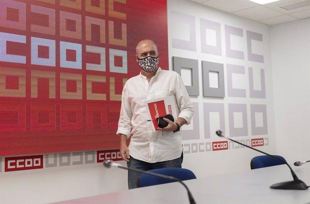 El secretari general de de CCOO, Unai Sordo, arriba a la roda de premsa
