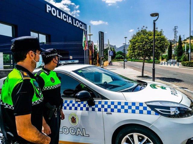 Archivo - Patrulla de la Policía Local de Jaén.