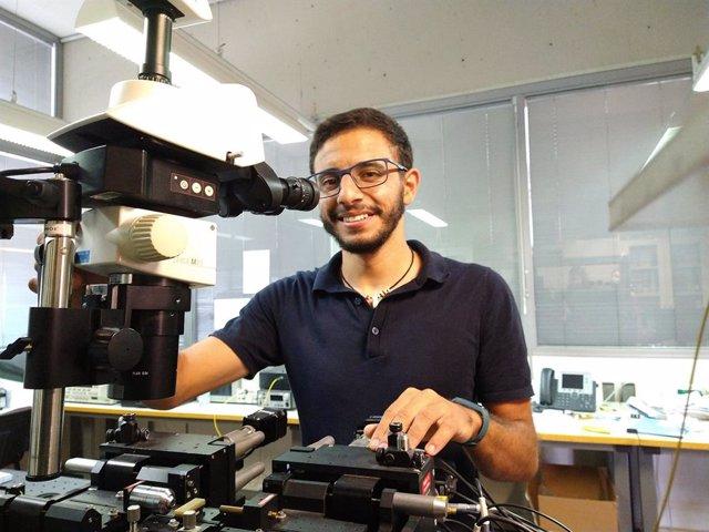 Abdelfettah Hadij El Houati, estudiante de Doctorado de la de la Escuela Técnica Superior (ETS) de Ingeniería de Telecomunicación de la Universidad de Málaga (UMA), ha sido galardonado en un concurso internacional de Huawei