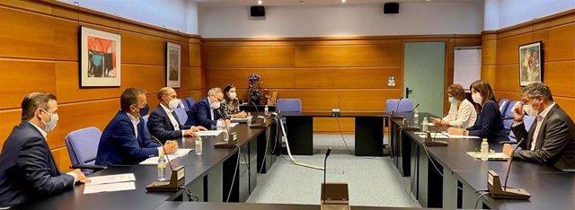 Reunión de Idoia Mendia con Confebask en el marco de la ronda con agentes sociales