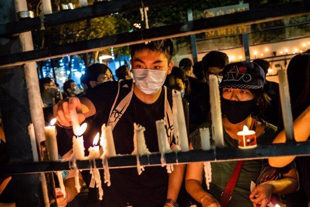 Archivo - Imagen de archivo de una vigilia por la masacre de Tiananmen en Hong Kong.