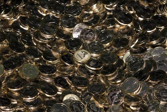 Archivo - Recursos de monedas. Euros. Dinero