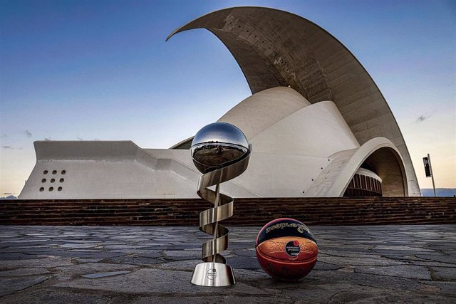 Trofeo de la Supercopa en Tenerife