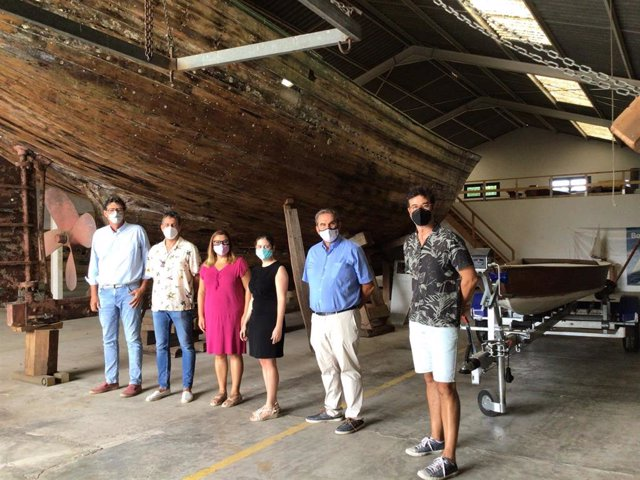 El Museu Marítim de Mallorca y el Departamento de Sostenibilidad y Medio Ambiente del Consell de Mallorca han suscrito este viernes un convenio de colaboración para la restauración y mantenimiento de una veintena de embarcaciones.