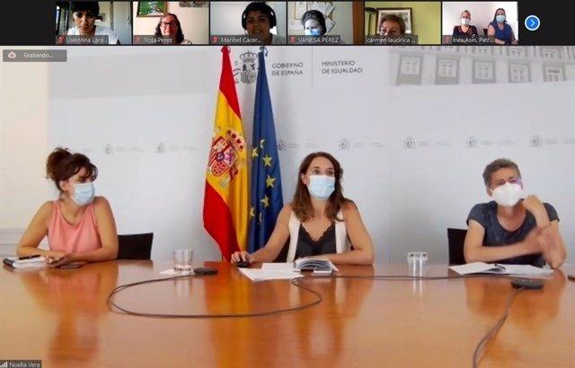 La secretaria de Estado de Igualdad, Noelia Vera, se ha reunido con mujeres con discapacidad intelectual de Plena Inclusión, que le han trasladado sus reivindicaciones respecto al acceso a una vida independiente, empleo, y salud sexual y reproductiva, etc